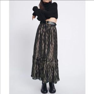 ZARA NWT METALLIC SKIRT 🖤